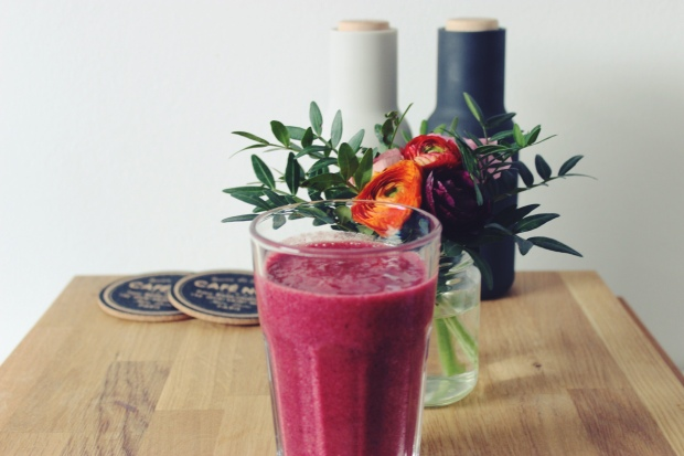 The Ultimate Berry Smoothie