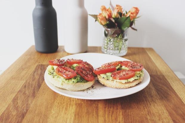 Bagel Avocado Tomato Dream